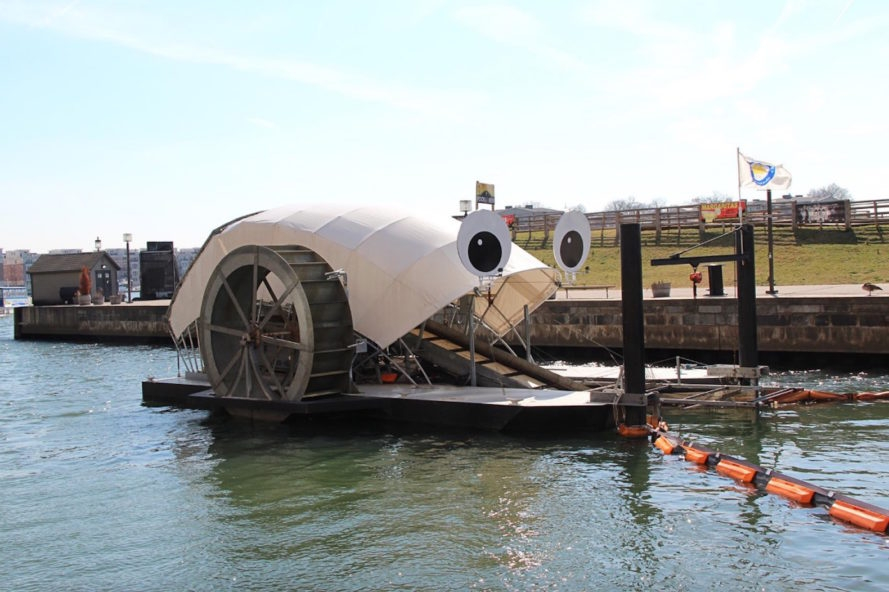 Schwimmende Müllschlucker befreien Baltimores Gewässer von Müll