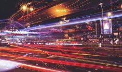 Positive Nachrichten: Seitenladezeit | Bild: Tom Eversley | unsplash.com