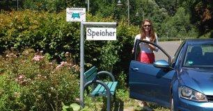 Mitfahrerbank im Dorf | Bild: http://mitfahrerbank.com/
