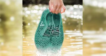 Diese Schuhe werden aus Algen hergestellt