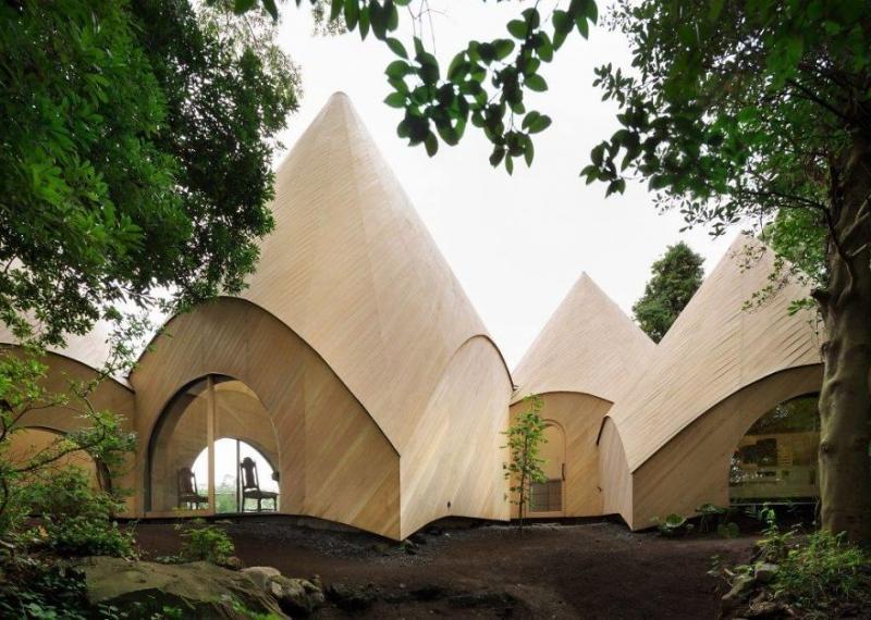 Waldhaus in Form eines Tipis (Zelts)   Bilderquelle: Issei Suma
