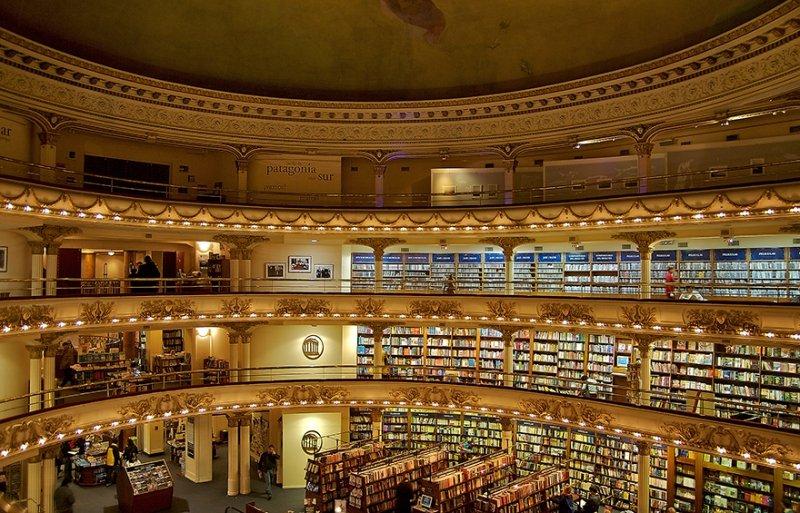 Buenso Aires Buchhandlung im Theater El Ateneo Grand Splendid | Quelle: https://commons.wikimedia.org/wiki/File:El_Ateneo_Bookstore.jpg