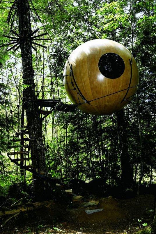 Free Spirit Sphere Baumhaus in Kanada | Quelle: http://freespiritspheres.com/