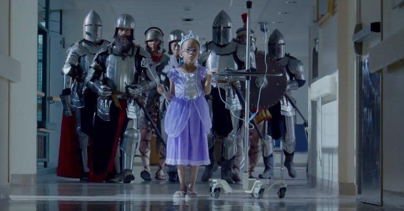 Kinderkrankenhaus SickKids berührt mit Video - Kleine Helden die nicht aufgeben