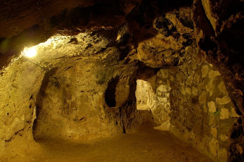 Quelle: http://sometimes-interesting.com/2014/05/09/derinkuyu-the-underground-cities-of-cappadocia