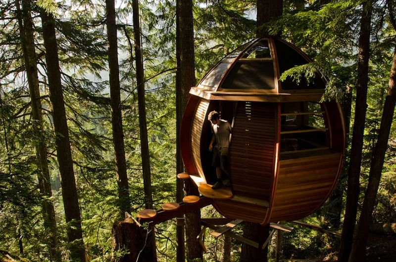 The HemLoft Baumhaus in Whistler, Kanada | Quelle: https://www.flickr.com/photos/44858152@N00/6894987038/sizes/l/in/photostream/