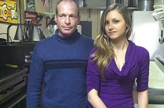 Chef verkauft sein Restaurant um seine kranke Kellnerin zu unterstützen