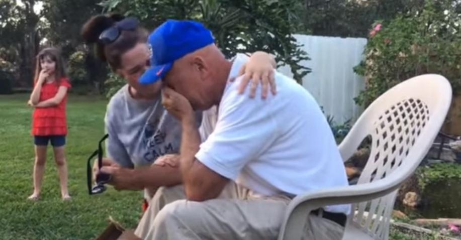 Farbenblinder Mann sieht dank Brille zum ersten Mal Farben